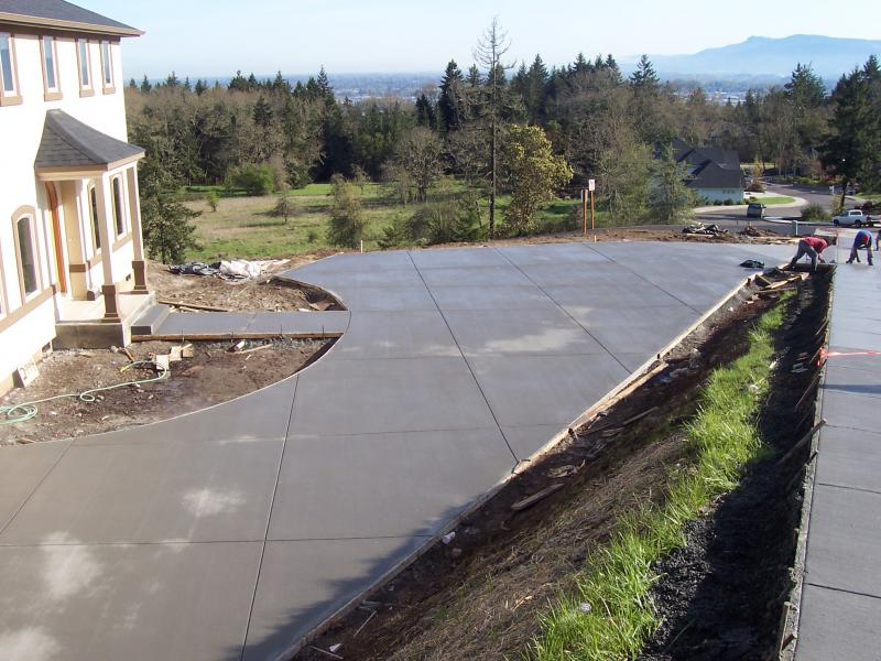 premier concrete eugene oregon broom finish custom driveway poured all one time